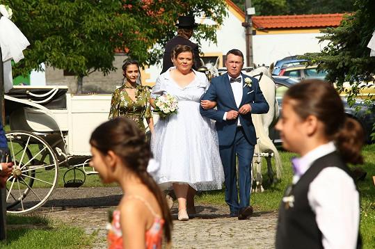 Lucie Polišenská a Martin Sitta si vyzkoušeli seriálovou svatbu.