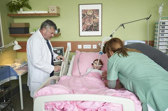 V seriálu Anatomie života hraje doktora Petra Gregora.
