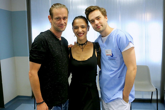 Burešová nyní natáčí s Janem Plouharem (vlevo) a Ondrou Rychlým.