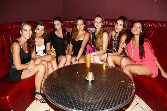 Krásky si druhý večer zašly i na diskotéku.