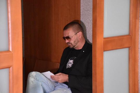 Tomáš Řepka se v červenci k jednomu ze tří erotických inzerátů přiznal.