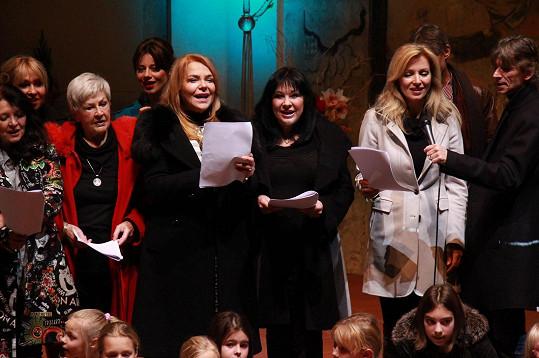 Havlová si zazpívala s Dádou Patrasovou.