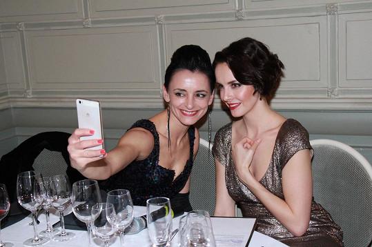 Zuzana s Gabrielou si udělaly selfie na památku.