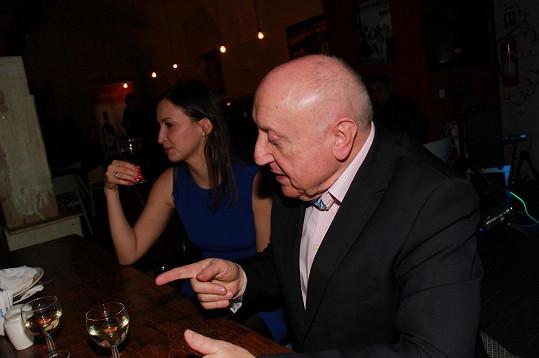 Felix Slováček dal prý své milence Lucii Gelemové kopačky.