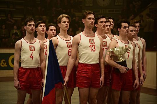 Zlatý podraz vstupuje do českých kin 25. října.
