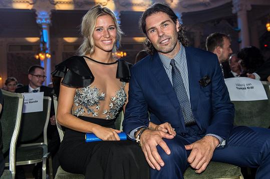 Veronika Kopřivová byla zatím poslední Jágrovou oficiální partnerkou.