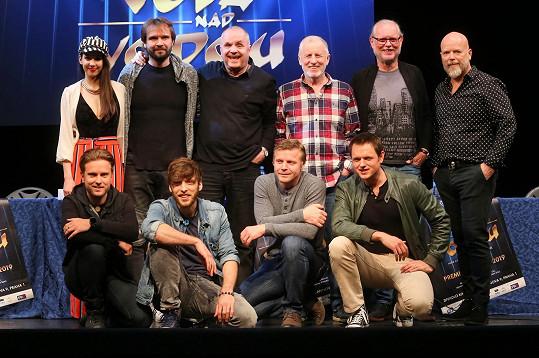 Herečka se svými kolegy a skupinou Elán představila nový projekt.