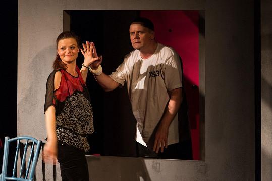 Antonie Talacková se po téměř třech měsících po porodu opět objeví v divadelní hře Jenom život, kde hraje po boku svého muže Igora Bareše.
