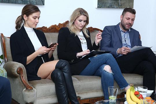 Andrea s moderátorkou Lenkou Špillarovou a šéfem castingové agentury Michalem Doležalem v porotě na 3. castingu Muže roku 2019
