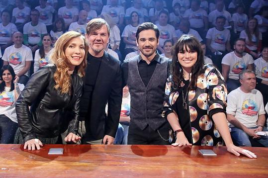 Ewa Farna a Vojtěch Kotek se potkali při natáčení pořadu Máme rádi Česko. V týmu s nimi byli ještě Stanislava Jachnická a Michal Hrůza.