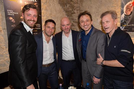 Režiséru Pavlu Ondruchovi (vlevo) doporučil hru sám její autor, britský dramatik Peter Quilter.
