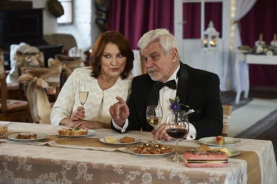 Adamovská a Štěpánek jsou manželé opět i v seriálu.