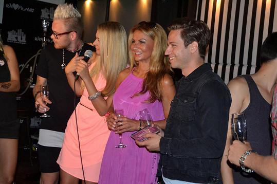 Yvetta křtila klip kapely Perutě.