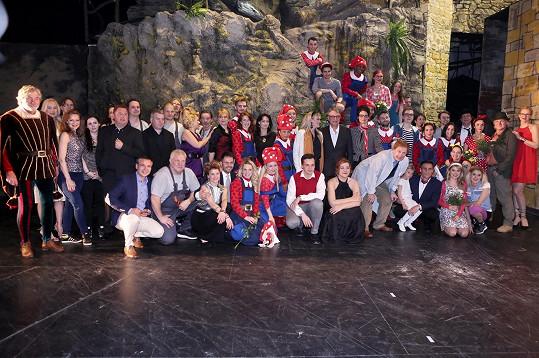 Herci po první premiéře pohádkového muzikálu Ať žijí duchové