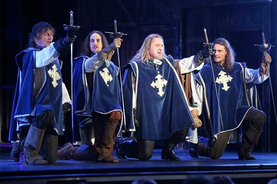 Pepa Vojtek už si šerm vyzkoušel v muzikálu Tři mušketýři.