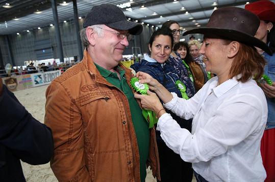 Výstavu koní nejen zahajovala a moderovala, ale také oceňovala ty nejlepší.