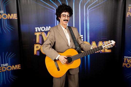 Ve slovenské verzi pořadu Tvoje tvář má známý hlas jako Pavol Hammel.