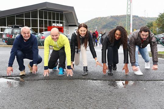 Celebrity se zúčastnily závodu VIP Fabia Race v Mostu.