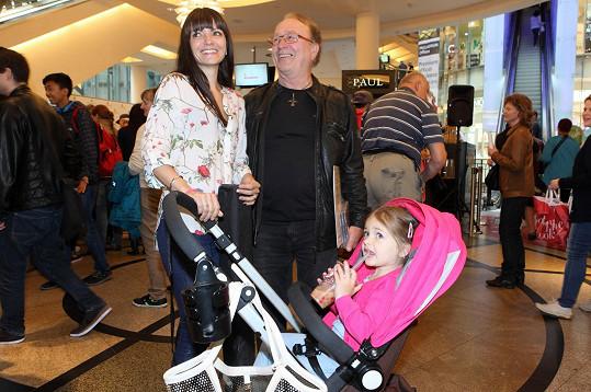 S manželkou Alicí a nejmladší Rozárkou