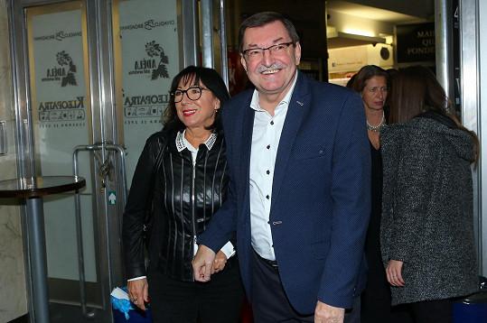 Skladatel Zdeněk Barták s partnerkou