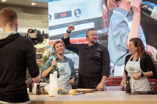 V týmu s Mirkem Kalinou vyhrála kuchařskou soutěž.