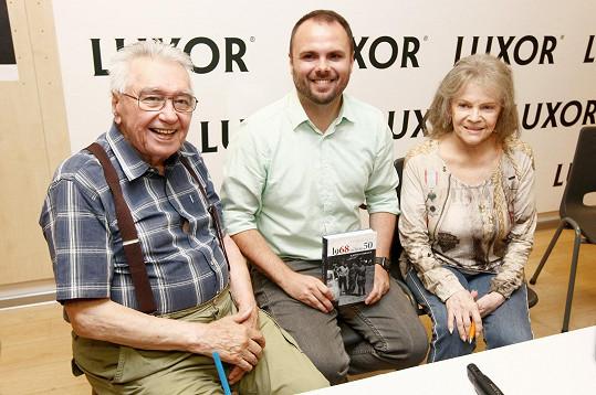 Josef Zíma a Eva Pilarová jsou jedny z osobností, které do knihy Petra Macka zavzpomínaly na rok 1968.