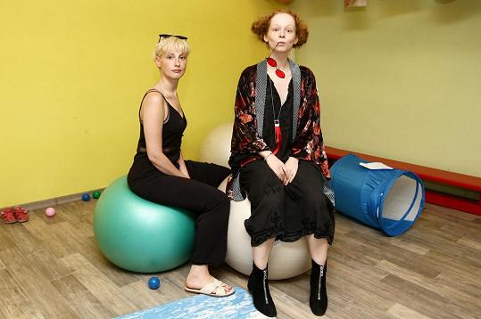 Anna Linhartová a Anna Fialová dorazily na oslavu narozenin Studia pro ženy.
