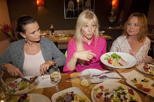 Společně i s výživovou poradkyní Ladou Noskovou si na nich pochutnaly.