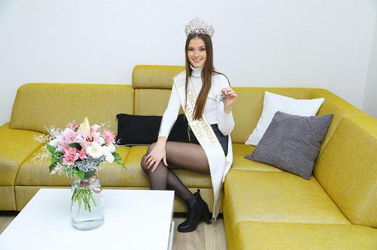 Klára Vavrušková přebrala klíče od bytu, jehož roční pronájem vyhrála.