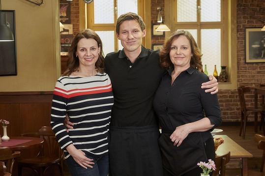 V Ulici má nejblíže ke kolegyním Martině Randové a Aleně Štréblové.