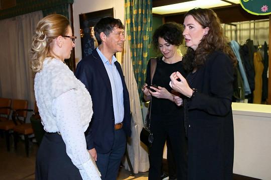 Manželé s režisérkou filmu Pražské orgie a herečkou Ksenií Rappoport, která ztvárnila hlavní ženskou roli.