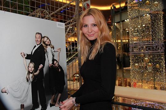 Ivana Gottová se o manžela postará už nejen doma, ale i v práci.