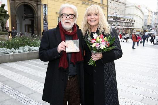 S kamarádkou Věrou Martinovou
