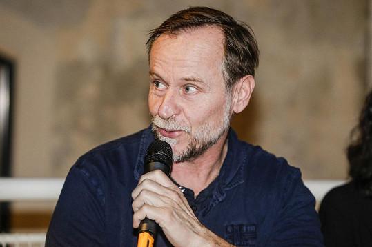 Karel Roden momentálně natáčí v Česku, pak se přesune do ukrajinské Oděsy.