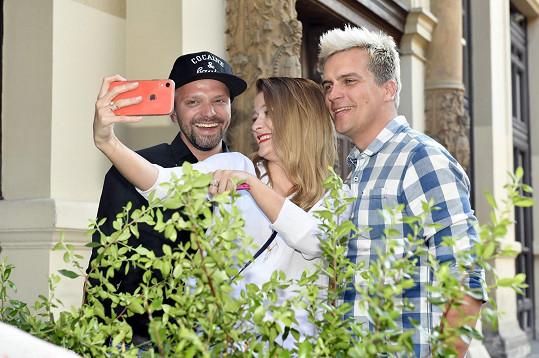 Selfie se Šárkou a Juliánem Záhorovským