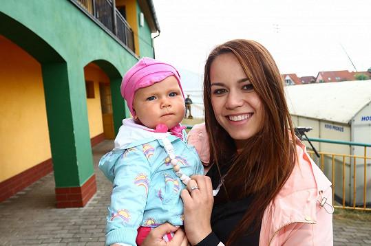 Karolína Gudasová s dcerou Emilkou