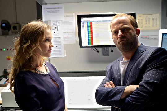 Vlastina Svátková se svým drsným filmovým manželem v podání Hynka Čermáka