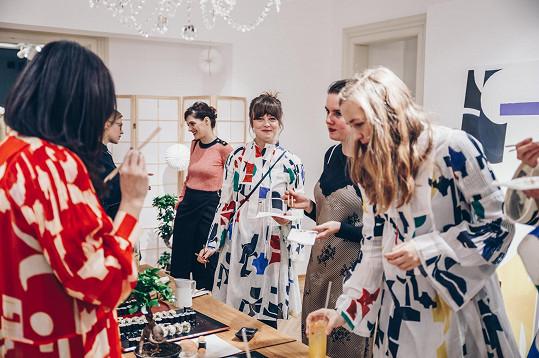 Jenovéfa obdivovala nejen oblečení inspirované Japonskem, ale i japonské pochoutky.