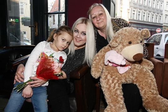 Klára s maminkou a pětiletou dcerkou Valérií