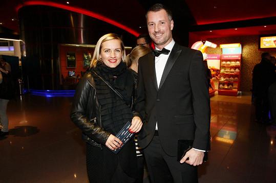 Petr se zdravil s kolegyní Lenny Trčkovou.