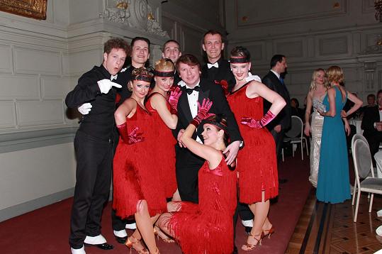 O půlnoci bavili v Bruselu Tománkovi hosty plesu spolu s tanečníky, z nichž některé znáte ze StarDance.