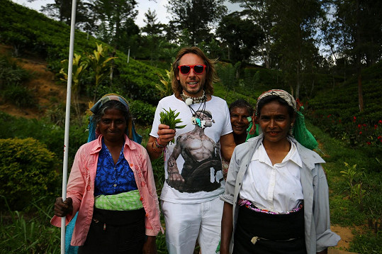 Jan Tuna na Srí Lance, kde natáčel pořad Honza na cestách.