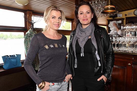 Leona a Jitka se stanou hvězdami připravovaného muzikálu Gérarda Presgurvica Romeo a Julie, který chystá k premiéře do Fóra Karlín na 25. září režisér a choreograf Libor Vaculík.