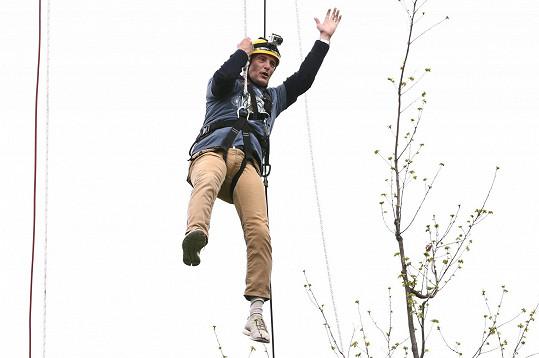 Tomáš Hanák se výšek nebojí.