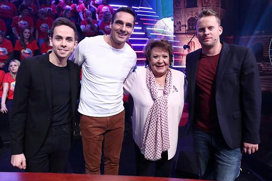 Petr Lexa, Roman Šebrle, Jiřina Bohdalová a Jakub Prachař spolu soutěžili ve vědomostní show.