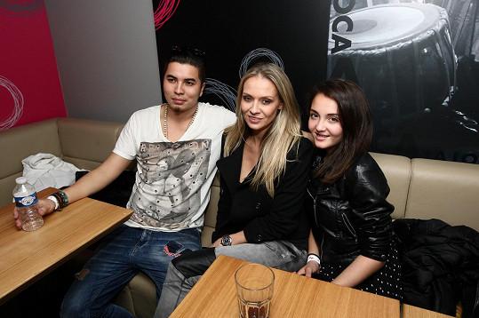 Martina s dcerou a přítelem Marcusem Tranem na oslavě narozenin zpěvačky Dannie.