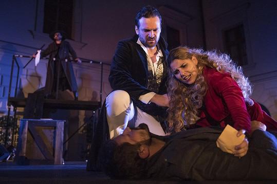 Nově se Lilian objeví v představení Cyrano z Bergeracu.
