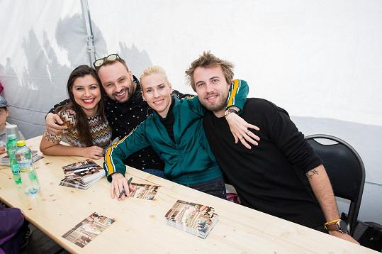 Veronika Lálová, Marek Dědík, Alice Stodůlková a Michal Kurtiš (zleva) na autogramiádě