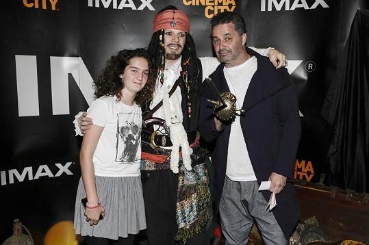 Pózovali s figurínou Jacka Sparrowa.