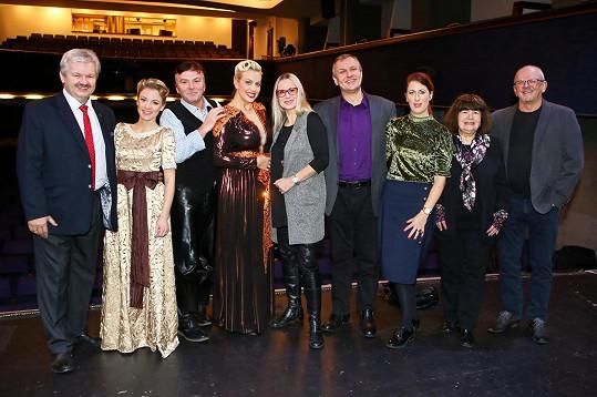S kolegy z muzikálu Zasněžená romance